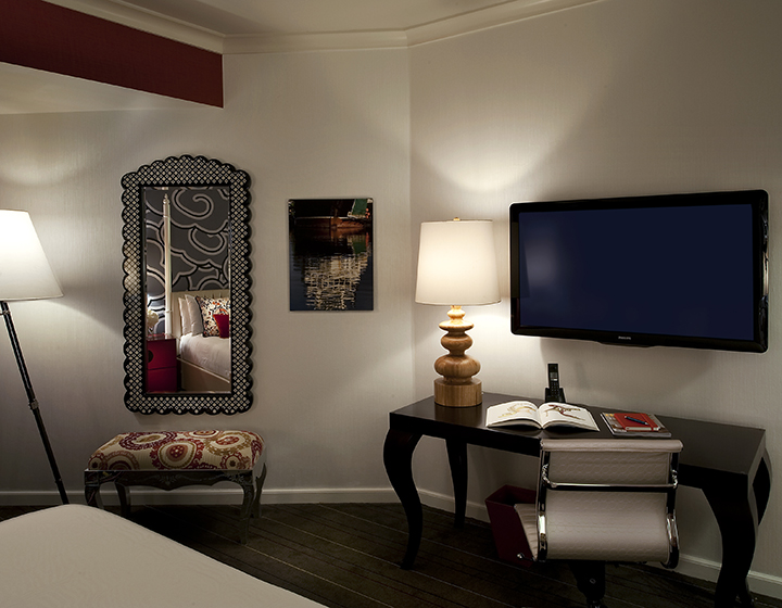 deluxe guest rooms at hotel monaco Seattle