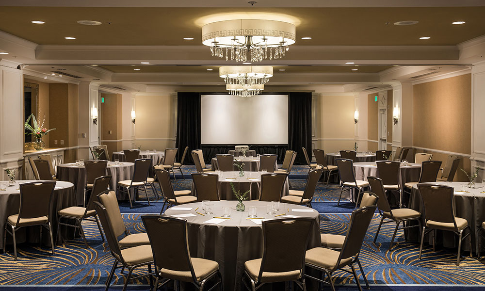 round tables in ballroom meeting space
